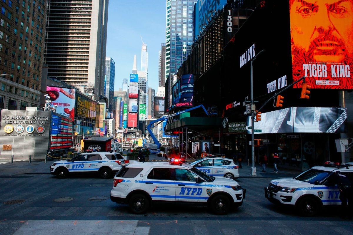 Policía da 69 'advertencias verbales' por violación a normas del coronavirus en NYC
