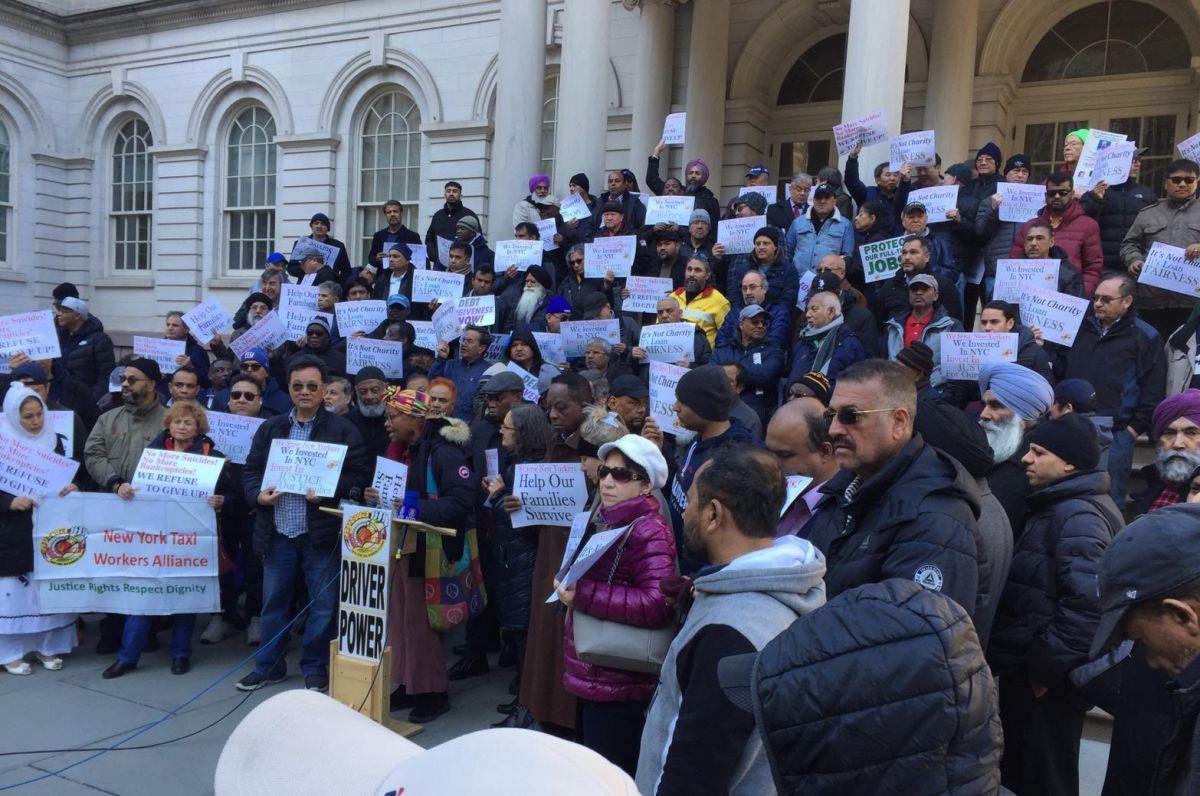Taxistas amarillos exigen respuesta a demanda de Fiscal General de NY sobre medallones