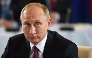 Eterno rival político de Vladimir Putin en cuidados intensivos; su portavoz dice que lo envenenaron