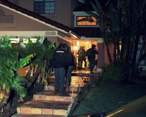 Agentes de DEA allanan casa en Compton presuntamente relacionada con un despiadado cártel mexicano de drogas