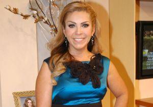 En bikini neón, Rocío Sánchez Azuara presume su impresionante bronceado