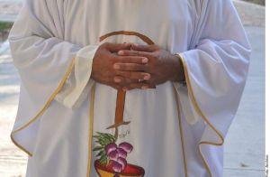 Detienen a sacerdote en Baja California por pederastia