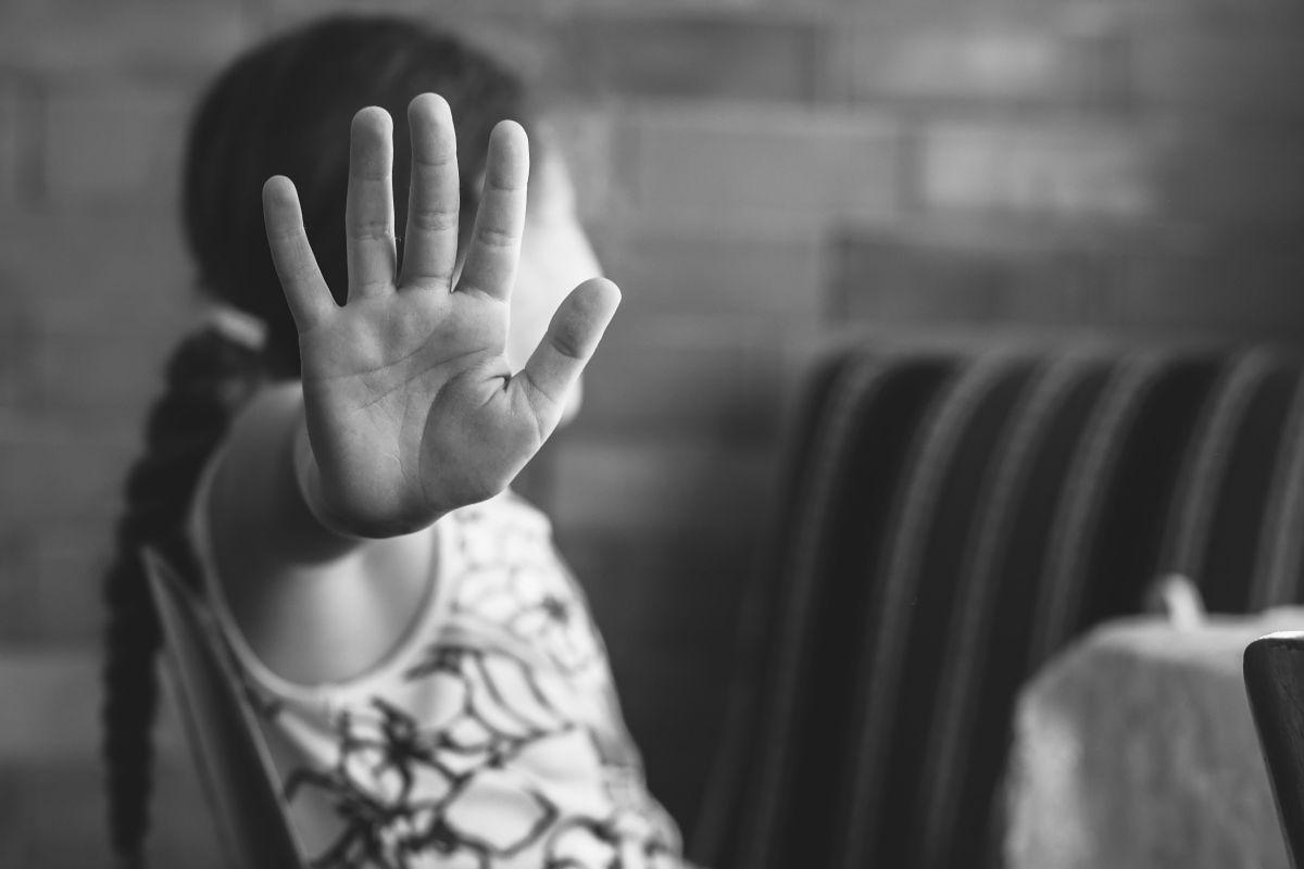 Padre la emprende por televisión contra anciano de 70 años que intentó violar a su hija de 5 en República Dominicana