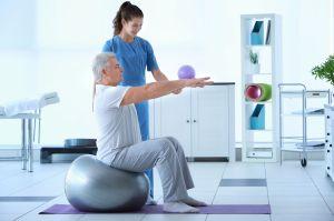 ¿En qué beneficia la fisioterapia a los pacientes con Parkinson?