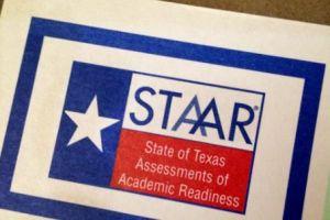 El gobernador de Texas elimina los requisitos del examen estatal STAAR para estudiantes de escuelas públicas