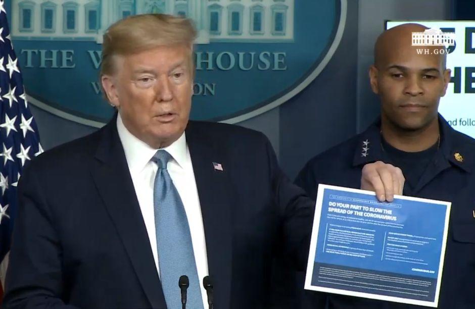 Estados Unidos supera 4,000 casos de coronavirus y las muertes aumentan; Trump presenta plan de 15 días