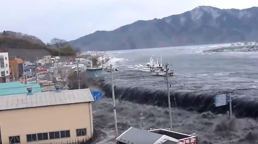 Arrasa con todo a su paso, los videos más escalofriantes del tsunami que devastó Japón en el 2011