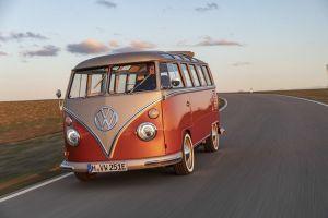 La famosa combi de Volkswagen está de regreso y así es como luce