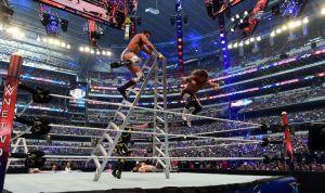 Con estas palabras, Vince McMahon anunció a su personal la difícil situación de su despido de WWE