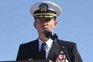 Coronavirus | El polémico despido del capitán de un portaviones de EE.UU. que alertó sobre un brote de covid-19 a bordo