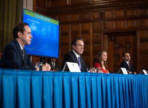 Cuomo advierte que 'pico' de casos de coronavirus en NY será a finales de abril  y crisis duraría hasta julio