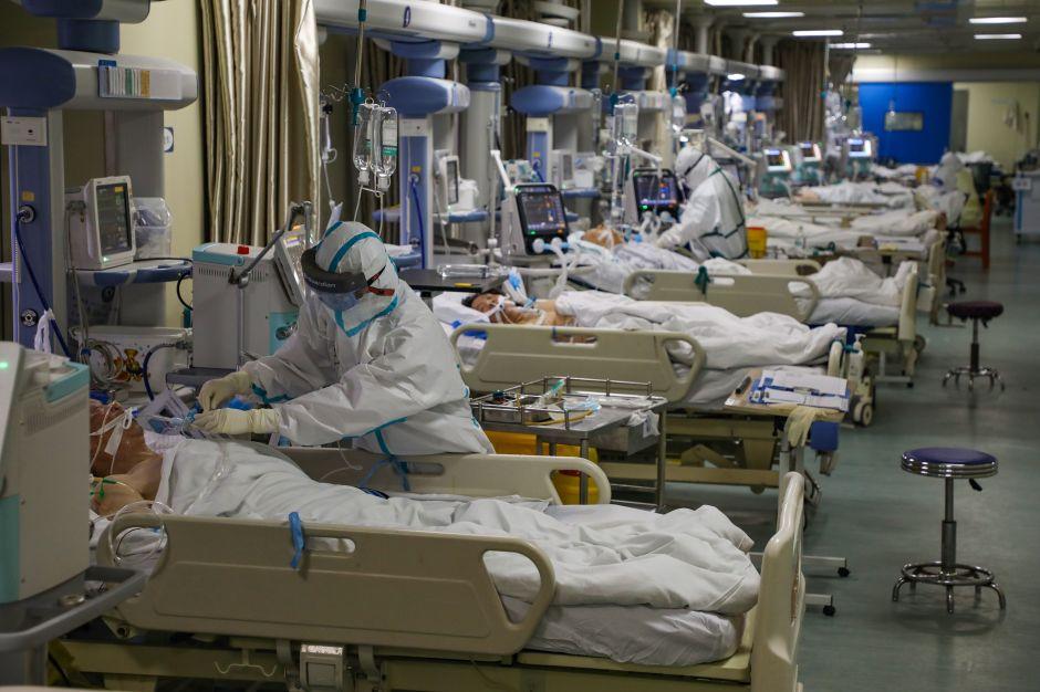 Cierran fronteras en ciudad de China por nuevo brote de coronavirus; contagio en masa habría iniciado en lavandería