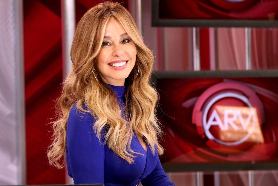 Myrka Dellanos transmite Al Rojo Vivo desde casa, como María Celeste Arrarás