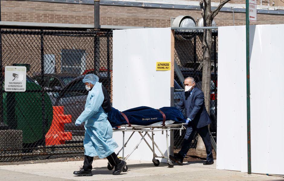 Casi mil muertes más por coronavirus en Nueva York: inexplicable salto en último reporte