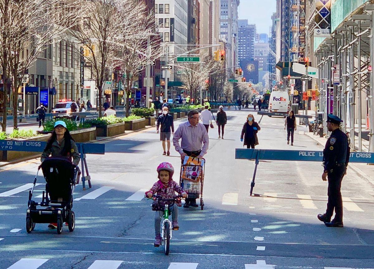 Dan luz verde al programa 'Open Streets' para que siga permanente en la ciudad de Nueva York