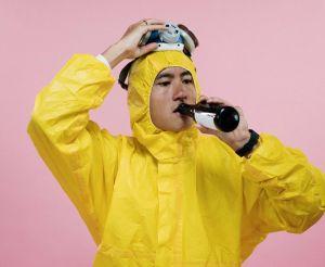 Beber alcohol en esta cuarentena no es buena idea, podría disminuir tus defensas