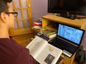 De Blasio revela nueva política de calificación de escuelas debido al coronavirus