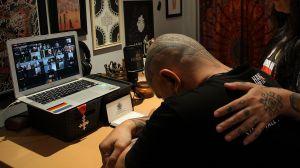 horror-en-vivo-hijo-mato-a-su-padre-durante-videoconferencia-zoom-en-hogar-de-nueva-york