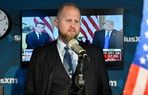 """Trump amaga con demandar a su jefe de campaña ante posible derrota electoral: """"¡No estoy fu**** perdiendo contra Biden!"""""""
