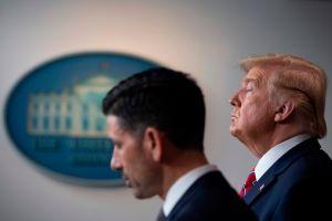 Trump impondrá mayores restricciones migratorias en mayo