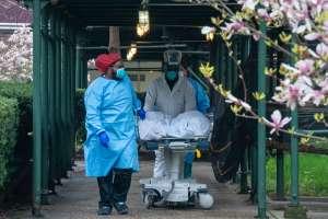 Estados Unidos está por alcanzar las 200,000 muertes por coronavirus en medio de reapertura de escuelas