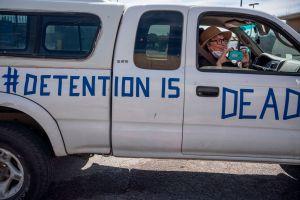 Coronavirus se propaga en las cárceles de ICE a ritmo de 10 por día
