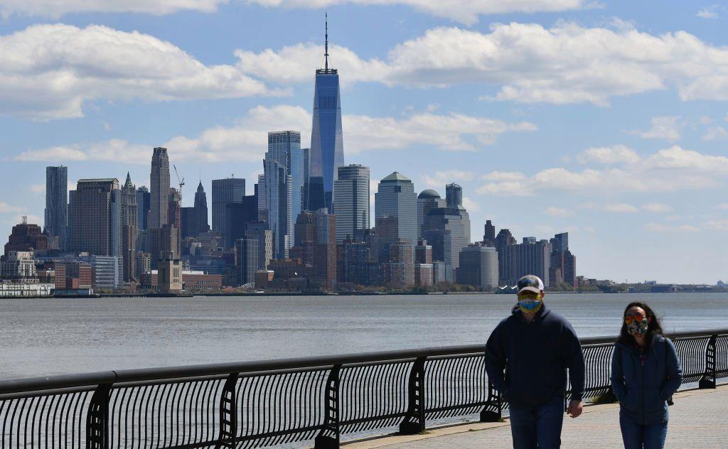 Alarma por subida de contagios tras fiestas en Nueva Jersey, al lado de Nueva York
