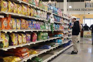¡Adiós al papel higiénico! Los dos productos que se están agotando en el supermercado, según Walmart