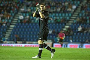 VIDEO: Iker Casillas manda un 'Goya' a la afición de Pumas