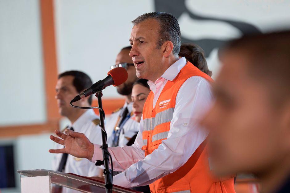 Maduro pone al frente del petróleo de Venezuela a hombre buscado por la justicia de EEUU