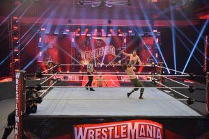 La WWE utiliza un spray que dura de 3 a 4 meses para desinfectar el ring y áreas de trabajo del coronavirus