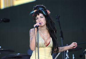 Anuncian subasta de objetos personales de Amy Winehouse