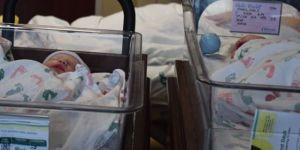 ¡Récord! Hasta los bebés son grandes en Texas; nacieron unas gemelas que pesaron 18 libras juntas