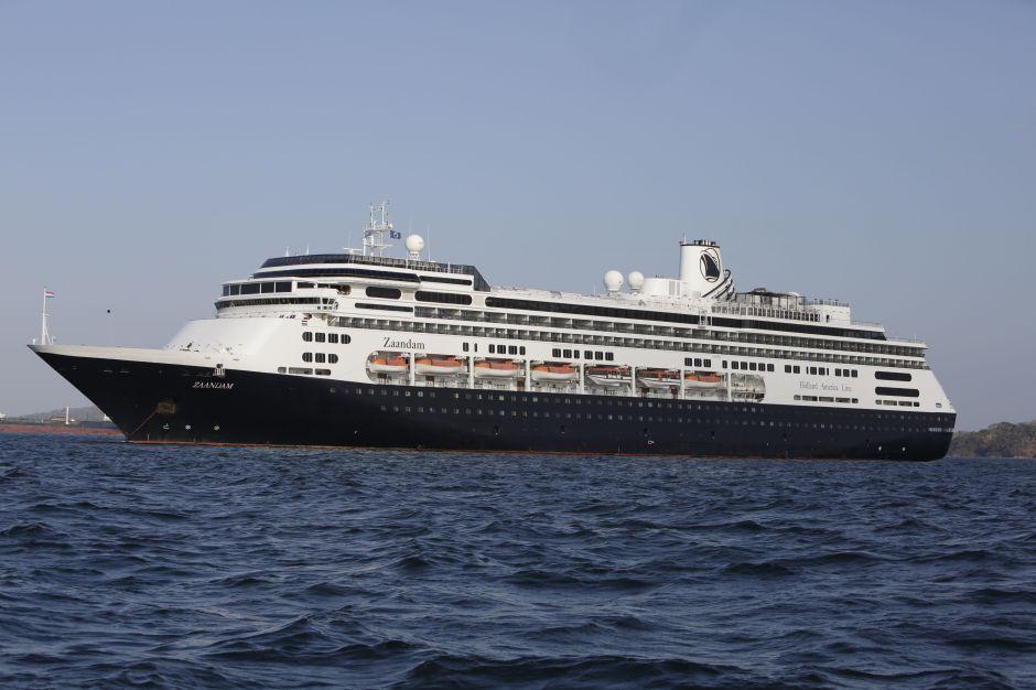 Florida autoriza a cruceros el desembarco de los pasajeros enfermos con COVID-19