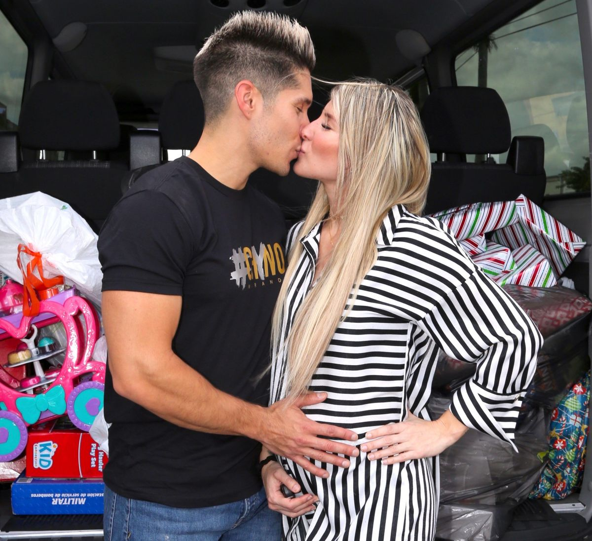 Chyno Miranda y Tashie embarazada.