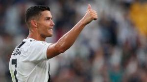 Con cubrebocas puesto, Cristiano Ronaldo manda un mensaje de unión al mundo