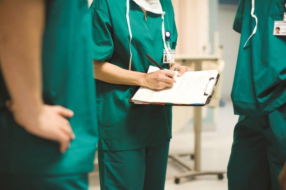 Doctora se reencuentra con su primer paciente de coronavirus, le da una lección muy valiosa