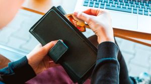 Las 4 peores formas de pagar tu deuda de la tarjeta de crédito