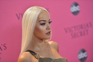 Rita Ora confiesa que, con solo 29 años, ya lucha contra la discriminación por edad