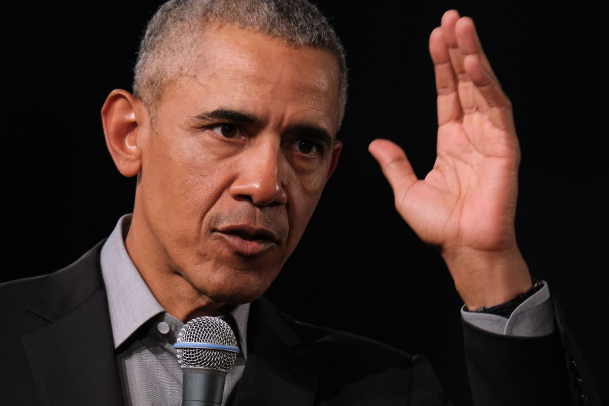 """A la venta en 19 idiomas la """"tierra prometida"""" de Barack Obama; expresidente solo menciona a Trump una vez"""