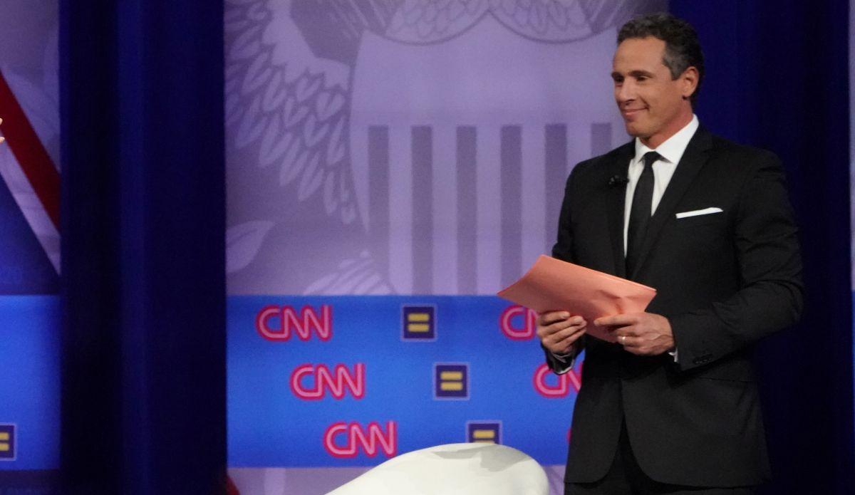 Chris Cuomo reporta fiebre constante, 6 kilos menos y un diente roto por el virus: hermano del gobernador de NY y presentador de CNN