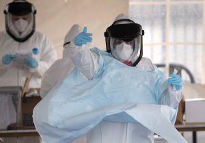Trump exenta a México de prohibición de exportaciones de material de protección médica contra coronavirus