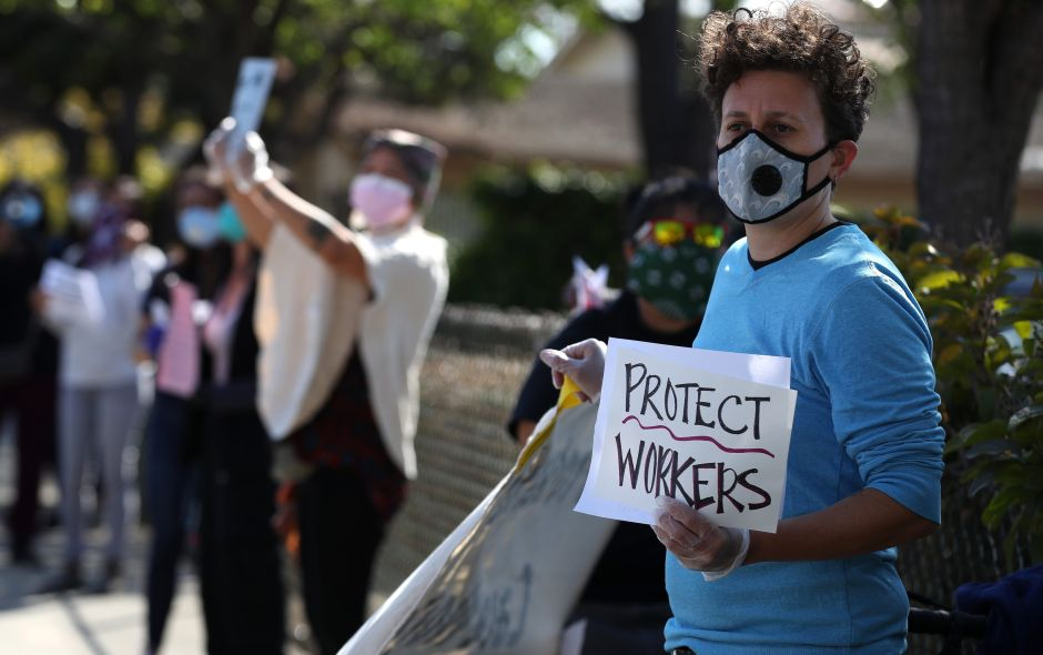 California contempla ayuda económica para indocumentados por coronavirus