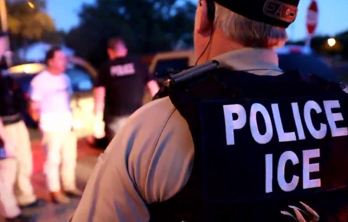 ICE deporta a hispano al mismo tiempo que el juez detuvo la orden de expulsión