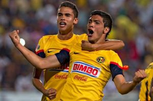 Diego Reyes y Raúl Jiménez se burlaron de las Chivas por sus derrotas en la eLiga MX