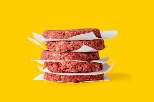 Podrás cocinar Impossible Burguers en casa, restaurantes venden cajas de 5 libras