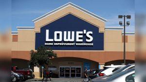 Home Depot y Lowe's se enfrentan a la que siempre fue su mejor etapa de ventas en medio de la incertidumbre