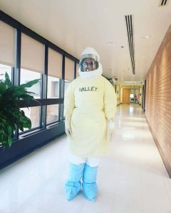 """Asistente de enfermera DACA: """"¡Aprovechemos el cororonavirus para ser más compasivos!"""""""