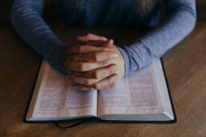 """Grupo cristiano propone que indocumentados paguen """"restitución evangélica"""" en cuotas para obtener ciudadanía"""