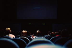 Algunas compañías de cine en Texas prefieren no reabrir sus salas en estos momentos